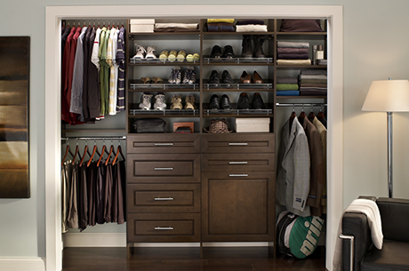 Reach-in custom closet